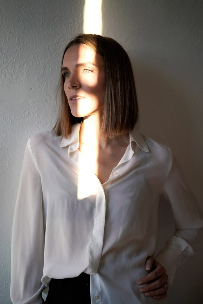 example of harsh light on face with 50mm lens